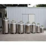 What should be paid attention to when using self-pressurized liquid nitrogen tank